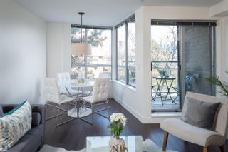 """Main Photo: 1 1250 W 6TH Avenue in Vancouver: Fairview VW Townhouse for sale in """"Silver"""" (Vancouver West)  : MLS®# R2624702"""