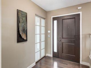 Photo 2: 536 BROOKMERE Crescent SW in Calgary: Braeside Detached for sale : MLS®# C4221954