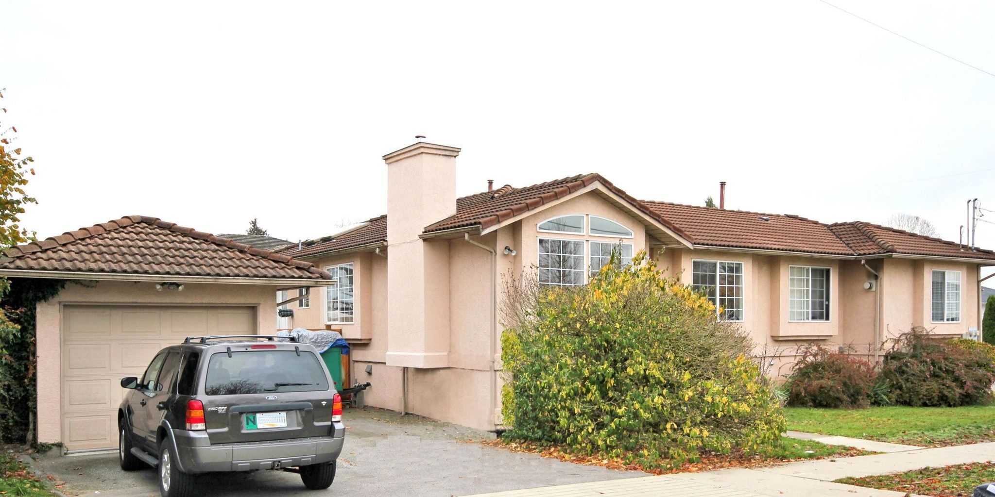 Main Photo: 7456 MARY Avenue in Burnaby: Edmonds BE 1/2 Duplex for sale (Burnaby East)  : MLS®# R2602810