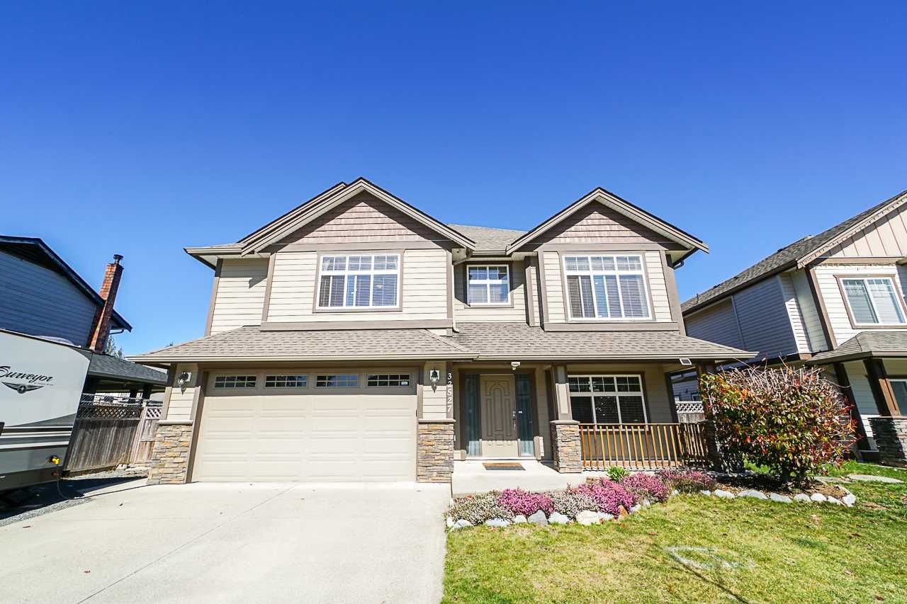 Main Photo: 32527 CARTER AVENUE in Mission: Mission BC House for sale : MLS®# R2353693
