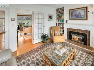 Photo 10: 2025 Lansdowne Rd in VICTORIA: OB Henderson House for sale (Oak Bay)  : MLS®# 759045