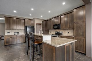 Photo 9: 72 EVEROAK Circle SW in Calgary: Evergreen Detached for sale : MLS®# C4209247
