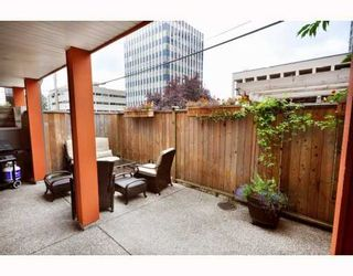 Photo 7: 102 152 E 12TH Street in North_Vancouver: Central Lonsdale Condo for sale (North Vancouver)  : MLS®# V783968
