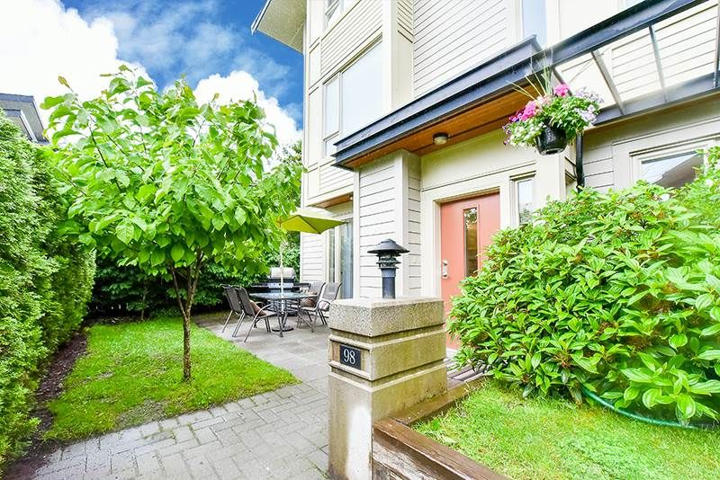 Main Photo: 98 9229 UNIVERSITY Crescent in Burnaby: Simon Fraser Univer. Townhouse for sale (Burnaby North)  : MLS®# R2179204