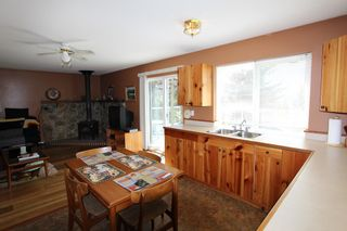 Photo 7: 7402 Estate Drive in Anglemont: House for sale : MLS®# 10081871