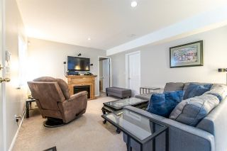 """Photo 17: 20608 93A Avenue in Langley: Walnut Grove House for sale in """"GORDON GREENWOOD"""" : MLS®# R2455681"""