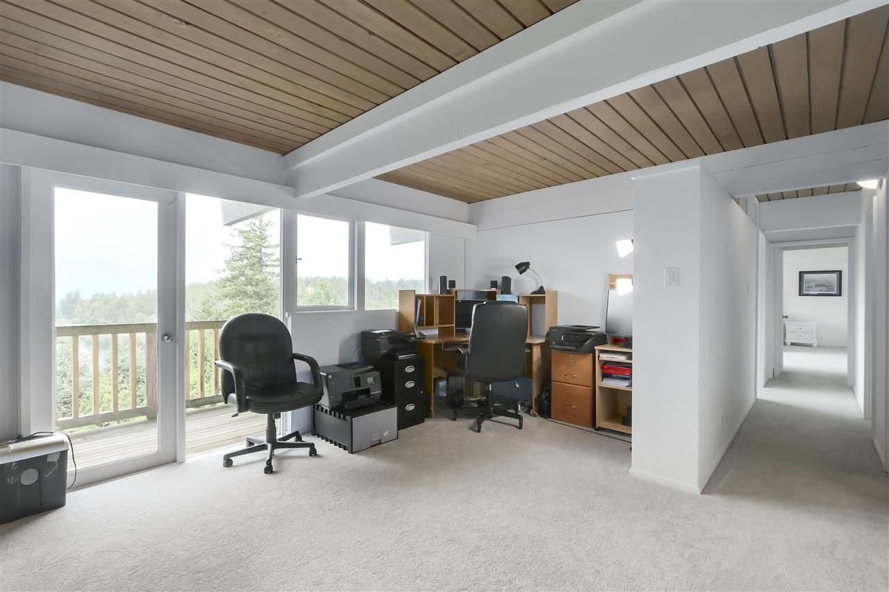 Photo 7: Photos: 6253 ST. GEORGES Crescent in West Vancouver: Gleneagles House for sale : MLS®# R2526812