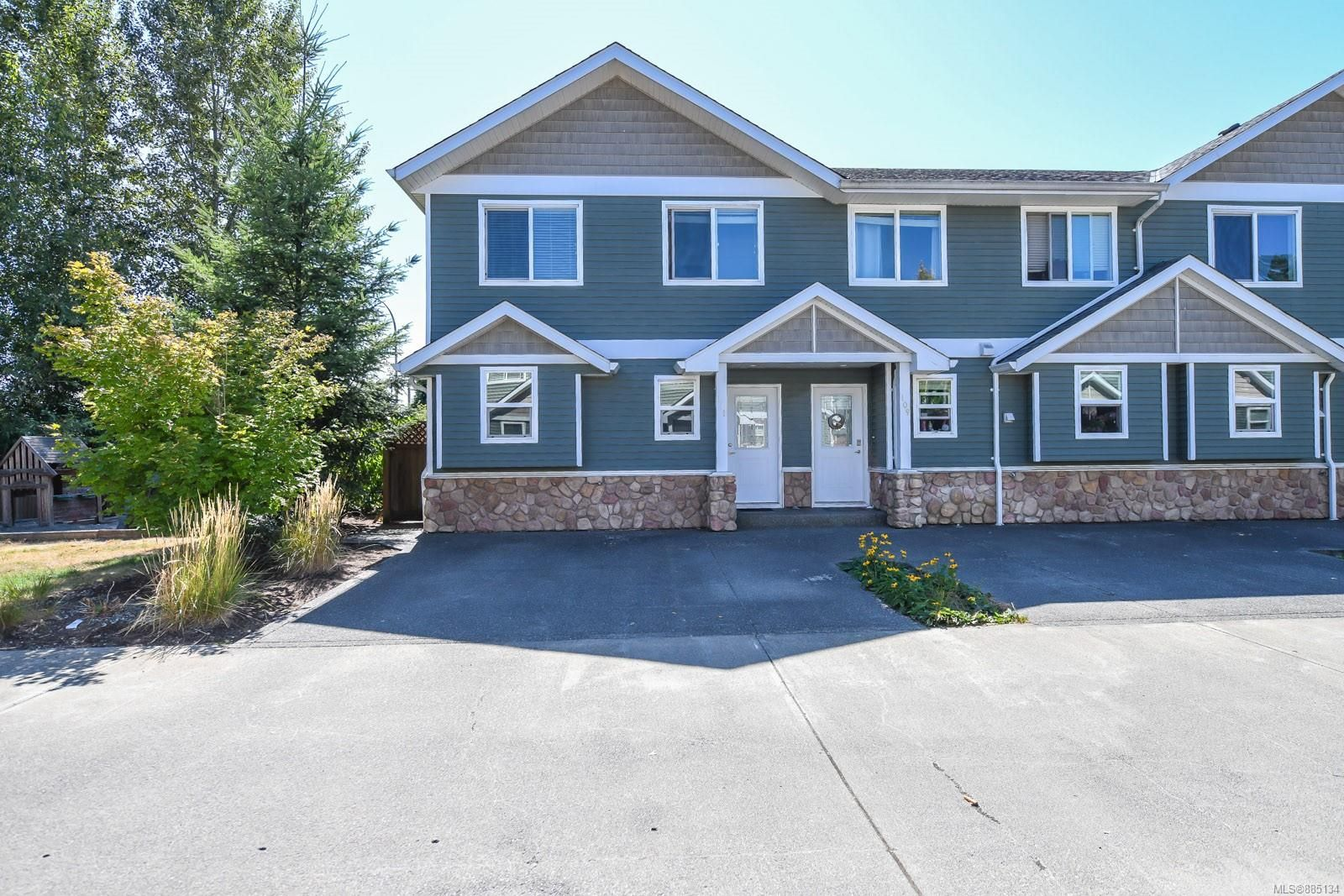 Main Photo: 111 170 Centennial Dr in : CV Courtenay East Row/Townhouse for sale (Comox Valley)  : MLS®# 885134