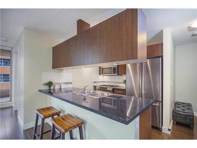 """Photo 4: Photos: 702 587 W 7TH Avenue in Vancouver: Fairview VW Condo for sale in """"AFFINITI"""" (Vancouver West)  : MLS®# V1118328"""