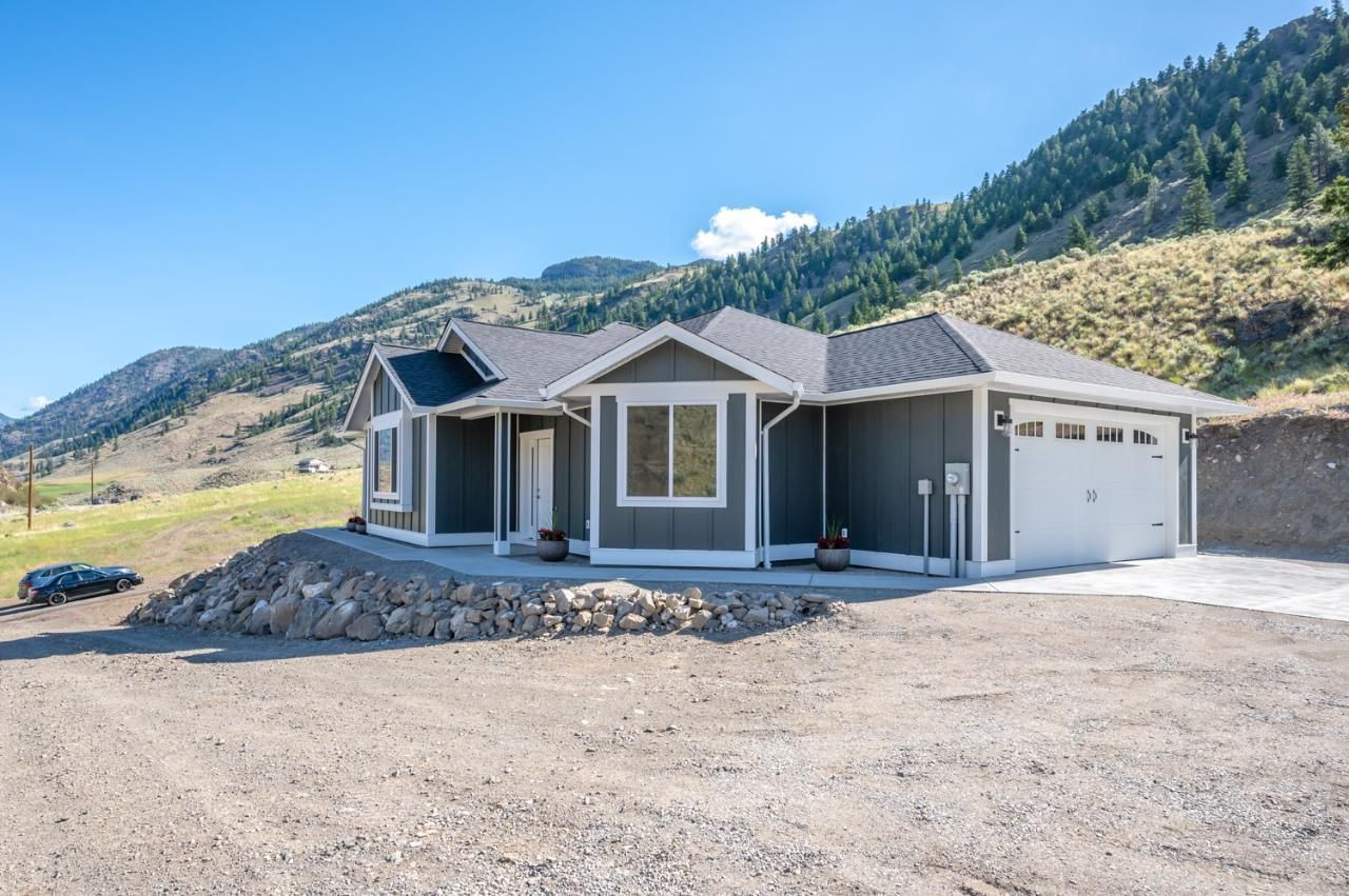 Main Photo: 130 PIN CUSHION Trail, in Keremeos: House for sale : MLS®# 191711