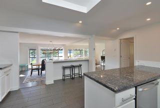Photo 12: 5821 TILLICUM BAY ROAD in Sechelt: Sechelt District House for sale (Sunshine Coast)  : MLS®# R2577083