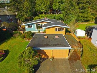Photo 2: 5276 Parker Ave in VICTORIA: SE Cordova Bay House for sale (Saanich East)  : MLS®# 756067