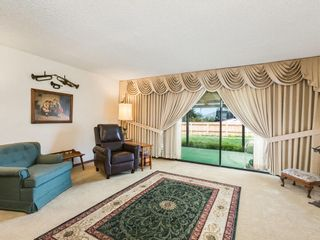 Photo 3: EAST ESCONDIDO House for sale : 4 bedrooms : 2704 Crownpoint Place in Escondido