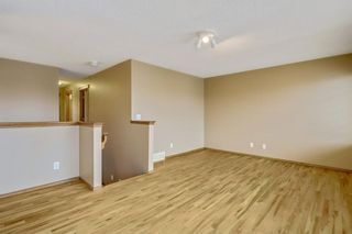 Photo 22: 38 SOMERSIDE Crescent SW in Calgary: Somerset House for sale : MLS®# C4142576
