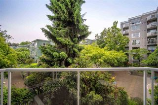 """Photo 29: 301 1510 W 1ST Avenue in Vancouver: False Creek Condo for sale in """"Mariner Walk"""" (Vancouver West)  : MLS®# R2589814"""