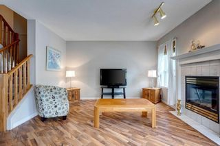 Photo 12: 33 SILVERGROVE Close NW in Calgary: Silver Springs Row/Townhouse for sale : MLS®# C4300784
