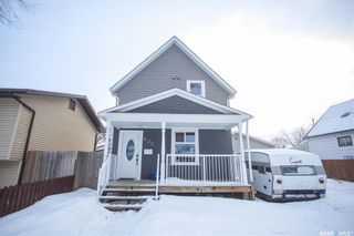 Photo 1: 620 J Avenue South in Saskatoon: King George Residential for sale : MLS®# SK841240