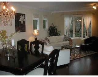 """Photo 3: 1558 BOWSER Avenue in North Vancouver: Norgate Townhouse for sale in """"ILLAHEE"""" : MLS®# V803021"""