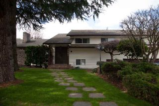 """Photo 2: 7003 130 Street in Surrey: West Newton House for sale in """"WEST Newton"""" : MLS®# R2563614"""