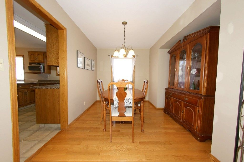 Photo 9: Photos: 123 Hunterspoint Road in Winnipeg: Charleswood Single Family Detached for sale (1G)  : MLS®# 1707500