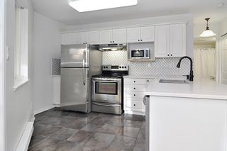 """Photo 8: 109 22150 48 Avenue in Langley: Murrayville Condo for sale in """"Eaglecrest"""" : MLS®# R2518983"""