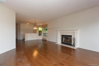 Photo 11: 801 6880 Wallace Dr in BRENTWOOD BAY: CS Brentwood Bay Row/Townhouse for sale (Central Saanich)  : MLS®# 841142