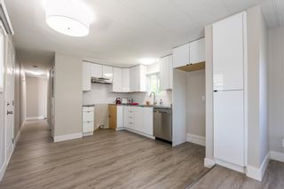 """Photo 3: 119 1840 160 Street in Surrey: King George Corridor Manufactured Home for sale in """"Breakaway Bays"""" (South Surrey White Rock)  : MLS®# R2598312"""