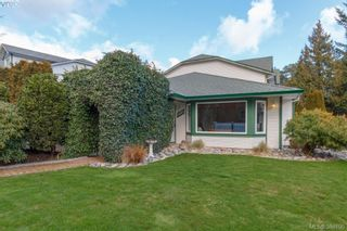 Photo 1: 2881 Young Pl in VICTORIA: La Glen Lake Half Duplex for sale (Langford)  : MLS®# 780150