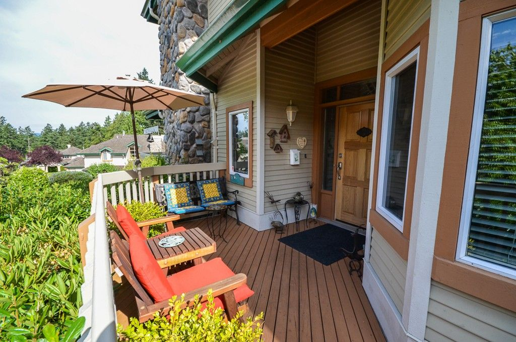 Main Photo: 31 520 Marsett Place in Victoria: SW Royal Oak Townhouse for sale (Saanich West)  : MLS®# 352538