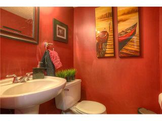 Photo 7: 869 QUEENSLAND Drive SE in CALGARY: Queensland Residential Attached for sale (Calgary)  : MLS®# C3616074