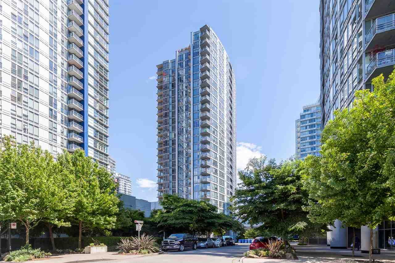 """Main Photo: #802 - 131 Regiment Sq, in Vancouver: Downtown VW Condo for sale in """"SPECTRUM III"""" (Vancouver West)  : MLS®# R2067296"""