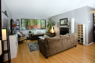 """Photo 2: 11712 KINGSBRIDGE Drive in Richmond: Ironwood Townhouse for sale in """"KINGSWOOD DOWNES"""" : MLS®# V968100"""