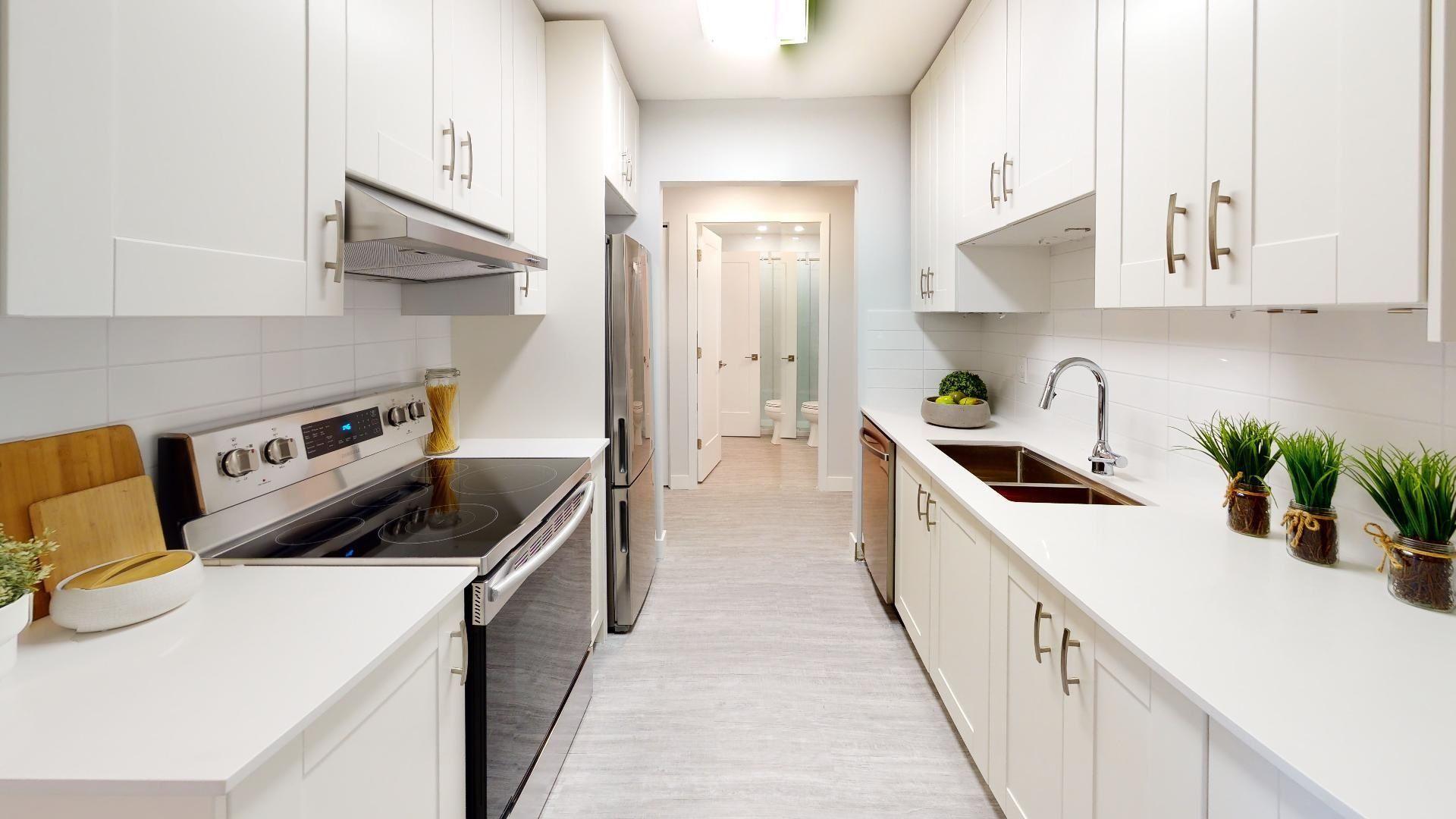 "Main Photo: 305 1360 MARTIN Street: White Rock Condo for sale in ""The Windward"" (South Surrey White Rock)  : MLS®# R2603372"