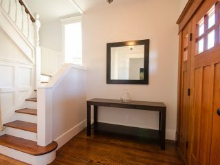 Photo 2: 510 E 20TH Avenue in Vancouver: Fraser VE House for sale (Vancouver East)  : MLS®# V985389