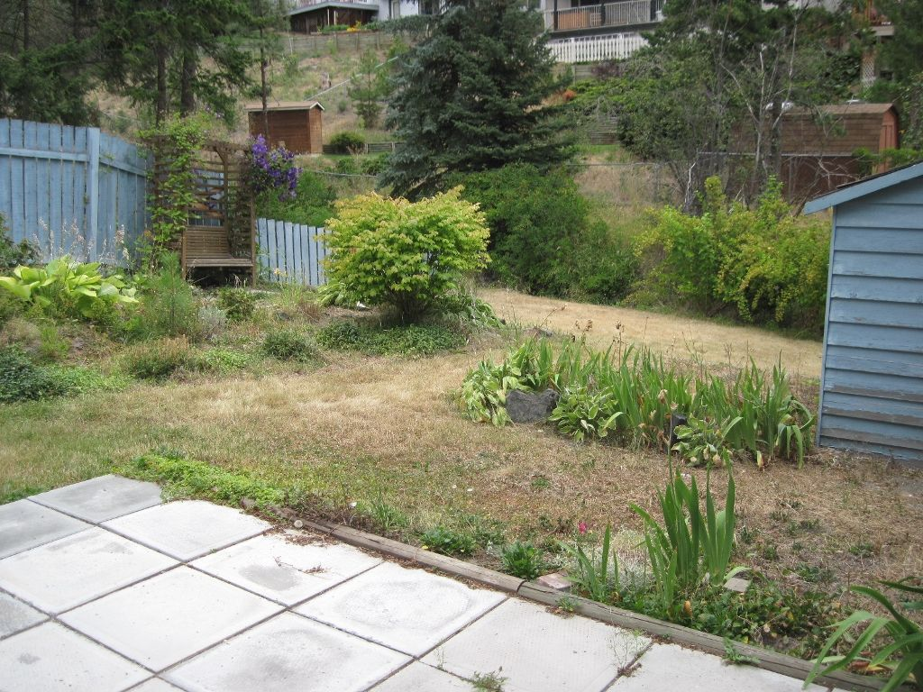 Photo 13: Photos: 568 Gleneagles Dr. in Kamloops: House for sale : MLS®# 105488