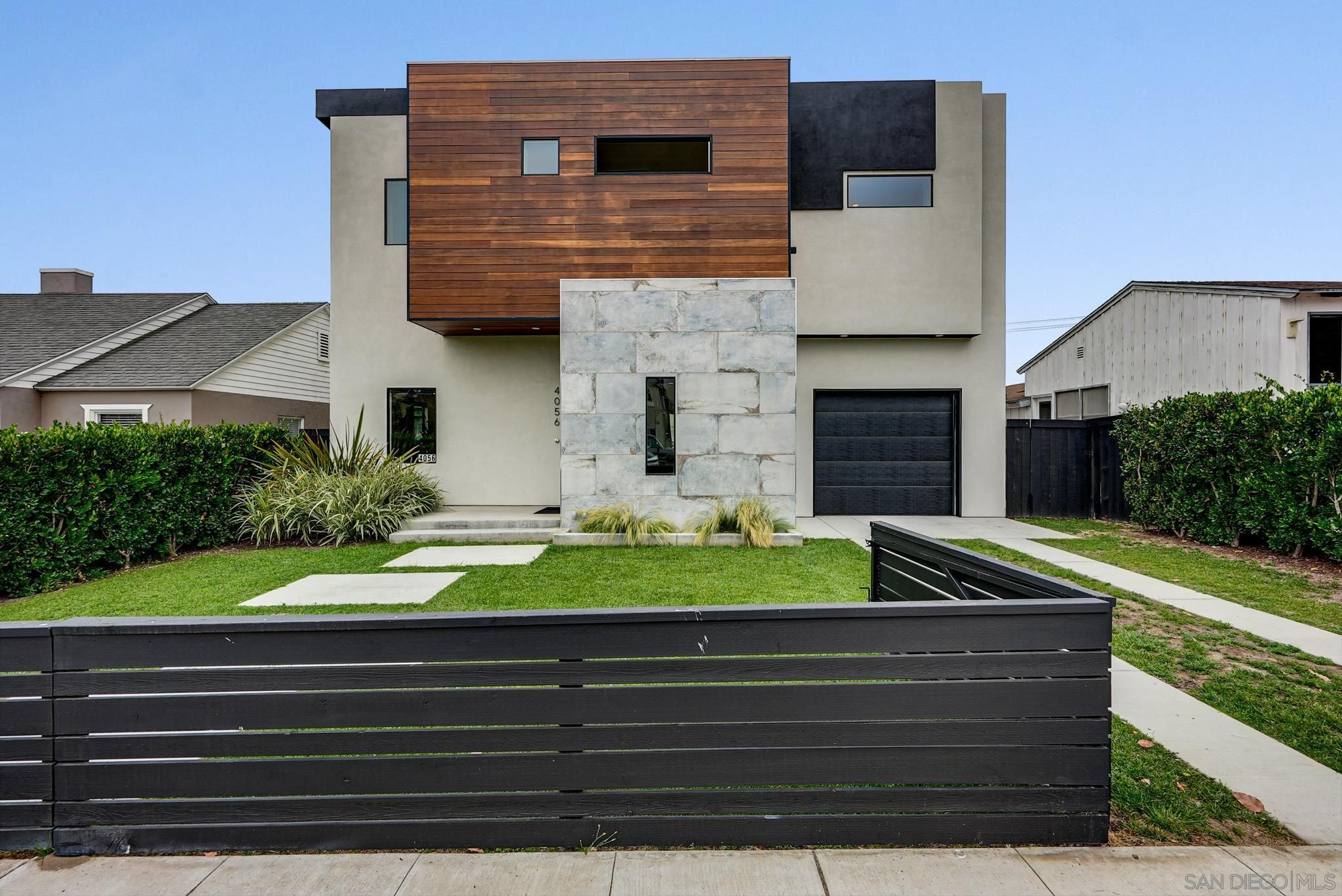 Main Photo: PACIFIC BEACH House for sale : 4 bedrooms : 4056 Haines St in San Diego