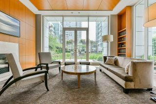 """Photo 5: 2002 1500 HORNBY Street in Vancouver: Yaletown Condo for sale in """"888 BEACH"""" (Vancouver West)  : MLS®# R2461920"""