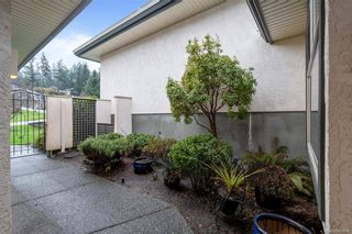 Photo 4: 25 4360 Emily Carr Dr in Saanich: SE Broadmead Row/Townhouse for sale (Saanich East)  : MLS®# 841495