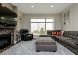 Photo 4: 47128 SYLVAN Drive in Sardis: Promontory House for sale : MLS®# R2204758