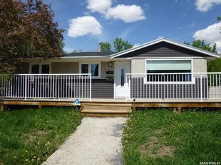 Photo 2: 2010 7th Avenue North in Regina: Cityview Residential for sale : MLS®# SK857144