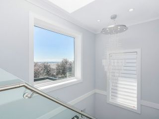 """Photo 11: 1455 E 61ST Avenue in Vancouver: Fraserview VE House for sale in """"FRASERVIEW"""" (Vancouver East)  : MLS®# V1142032"""