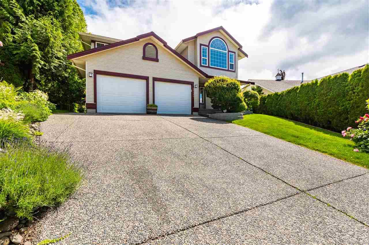 """Main Photo: 46688 GROVE Avenue in Chilliwack: Promontory House for sale in """"PROMONTORY"""" (Sardis)  : MLS®# R2590055"""