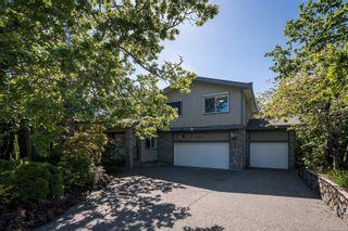Photo 2: 4381 Wildflower Lane in : SE Broadmead House for sale (Saanich East)  : MLS®# 861449