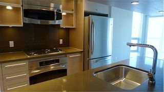 """Photo 15: 2210 833 SEYMOUR Street in Vancouver: Downtown VW Condo for sale in """"Capitol Residences"""" (Vancouver West)  : MLS®# V1056277"""