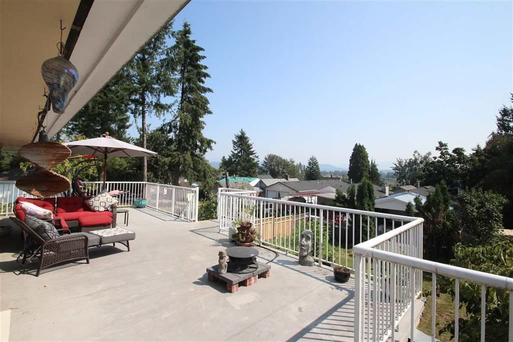 Main Photo: 32870 2nd Avenue in Mission: Mission BC House for sale : MLS®# R2374043