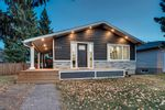Main Photo: 5132 48 Street NW in Calgary: Varsity Detached for sale : MLS®# A1154695