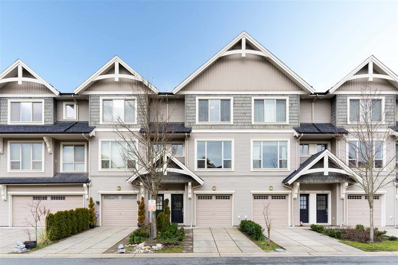 Main Photo: 220 3105 DAYANEE SPRINGS BOULEVARD in Coquitlam: Westwood Plateau Townhouse for sale : MLS®# R2454056