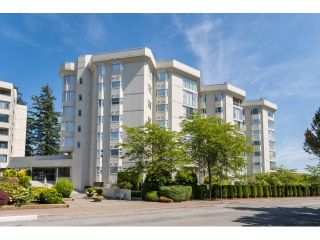 "Photo 1: 602 1442 FOSTER Street: White Rock Condo for sale in ""WHITE ROCK SQUARE II"" (South Surrey White Rock)  : MLS®# R2074012"