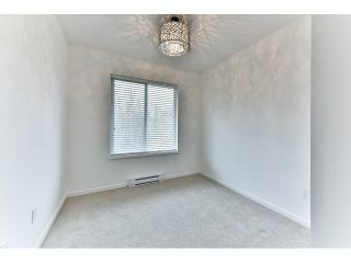 """Photo 13: 29 18681 68 Avenue in Surrey: Clayton Townhouse for sale in """"Creekside"""" (Cloverdale)  : MLS®# R2043550"""