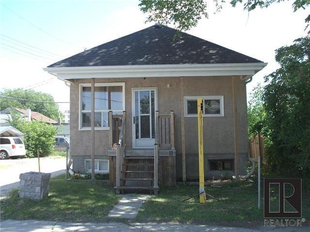Main Photo: 11 Elkhorn Street in Winnipeg: Brooklands Residential for sale (5D)  : MLS®# 1819314